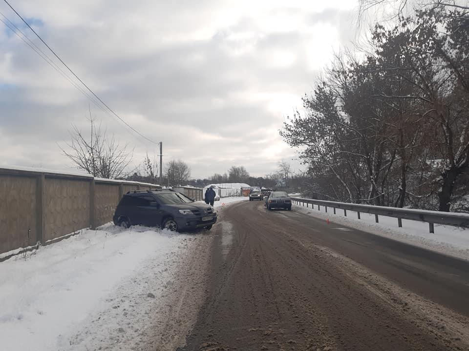На Обухівщині, у Трипіллі зіткнулись дві автівки - позашляховик, легковик, зіткнення - 145059145 3869031783156187 2883611627272252875 n