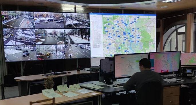 Затори в столиці регулюють «розумні» світлофори - світлофор, дороги, автомобільні дороги - 24 svetofor
