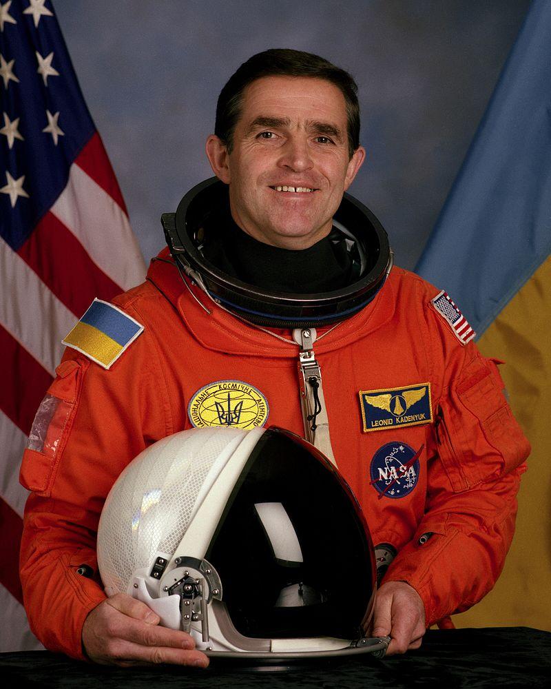 70 років тому народився перший космонавт незалежної України - Людина, космос, Герой України - 28 kadenyuk2