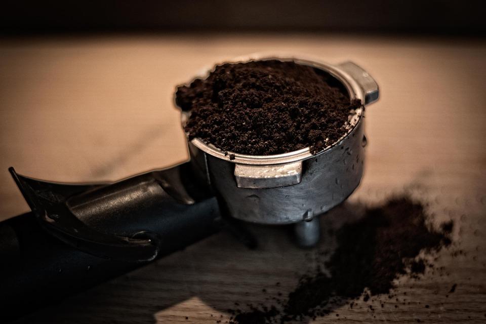 Еко ноу-хау по-львівськи: з ожеледицею боротимуться за допомогою кавової гущі - ожеледиця, Львів, кава, кав'ярня, екологія - 28 kofe