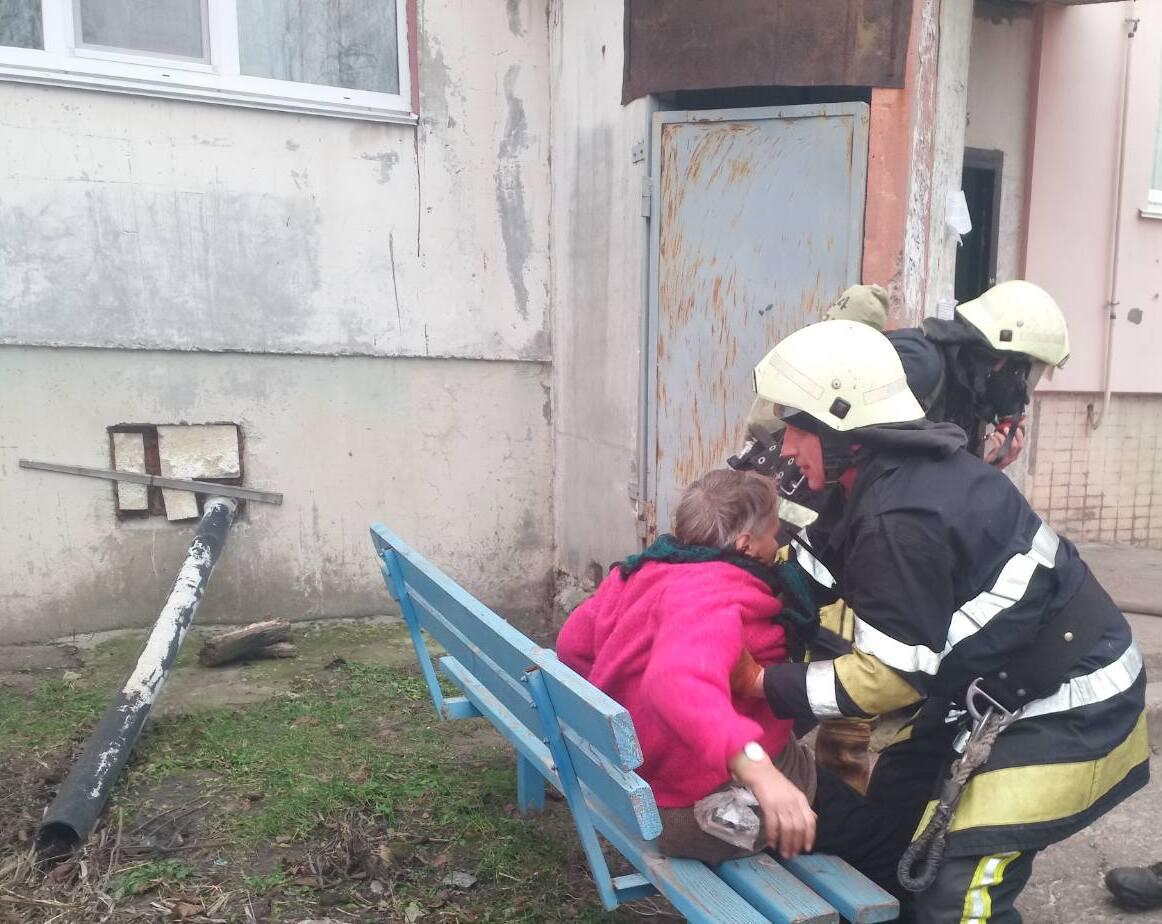 У Баришівці горіла квартира багатоповерхівки - ГУ ДСНС у Київськійобласті, вогонь - 56