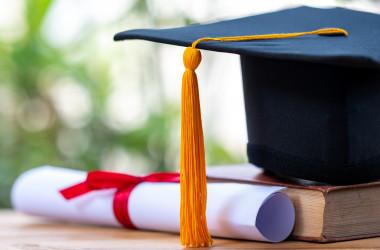 Українські виші можуть самостійно видавати дипломи з відзнакою: МОН - Освіта, МОН України, диплом - DYPLOM
