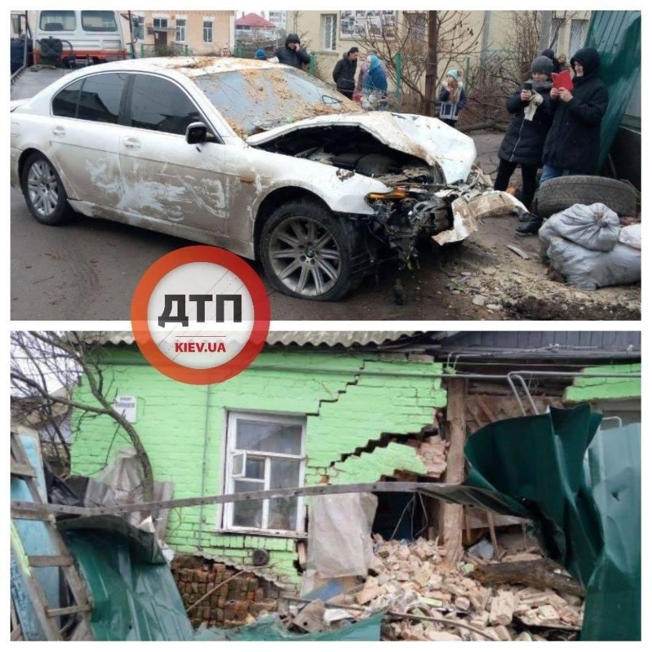 Аварія у Фастові: протаранив будинок та повідомив, що авто вкрали - Фастівський район, поліція Фастівщини, кримінал, київщина, ДТП - Fast bud 1