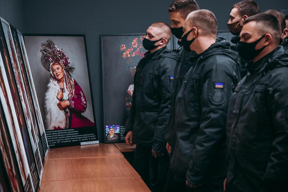 Фотовиставка розповідає про матерів загиблих героїв - фотовиставка, НГУ, герої, АТО (ОСС) - Gvardiya osn
