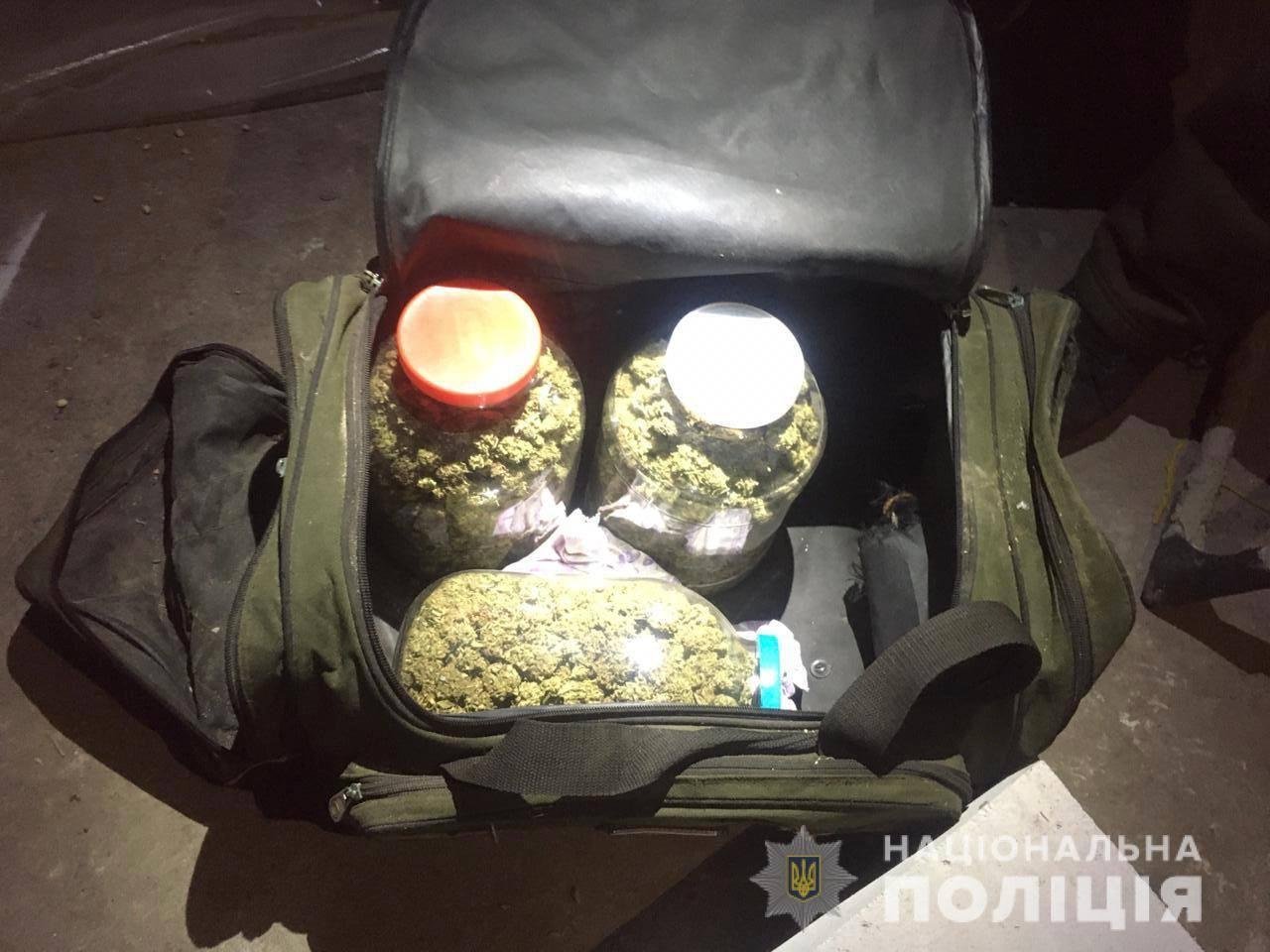 На Кагарличчині наркоаграрій вирощував коноплі - поліція Київщини, Наркотичні речовини, кримінал, коноплі, київщина, Кагарлицький район - Kagar nark 3