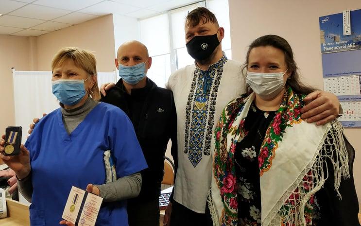 Медиків Вишгородщини нагородили медалями - Нагородження, медики, коронавірус - Poglyad Med1
