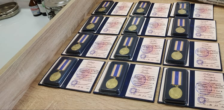 Медиків Вишгородщини нагородили медалями - Нагородження, медики, коронавірус - Poglyad Med2