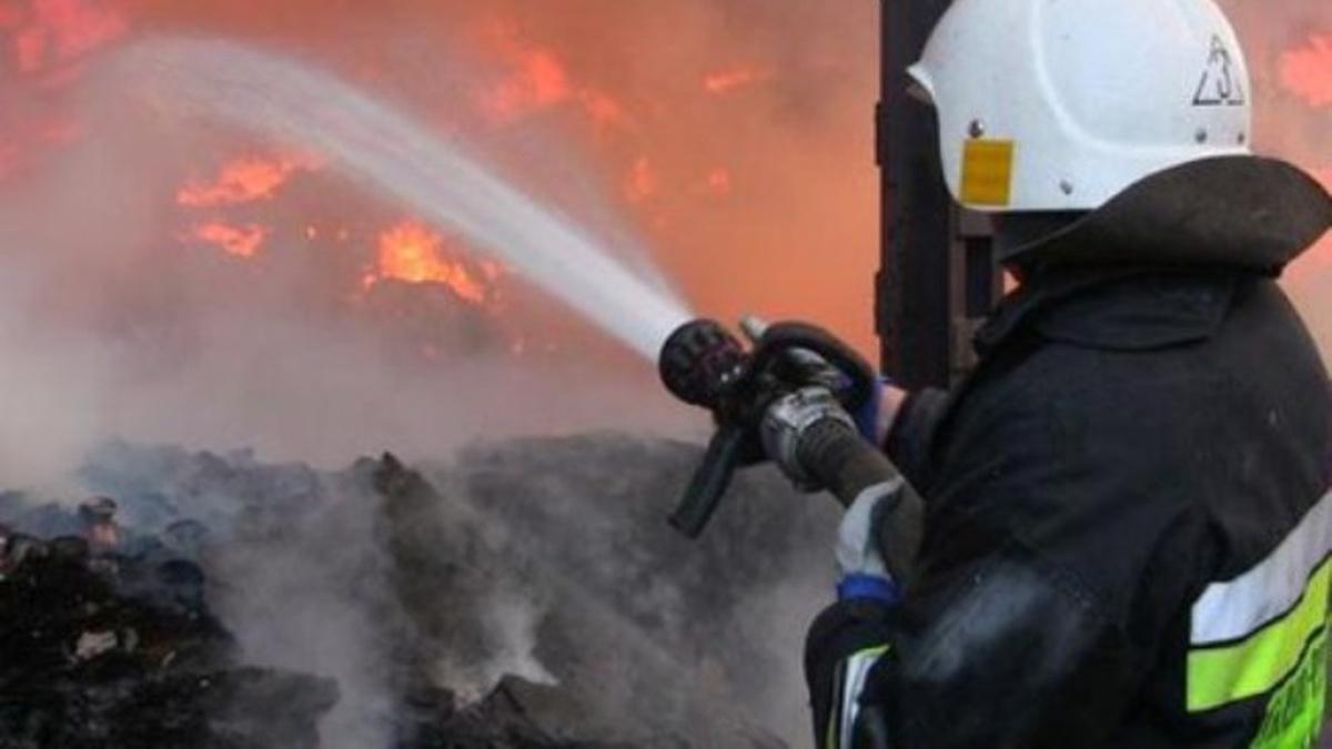 У Борисполі на вихідних сталося чотири пожежі - рятувальники, вогонь - UtCWuToAsmAA 1