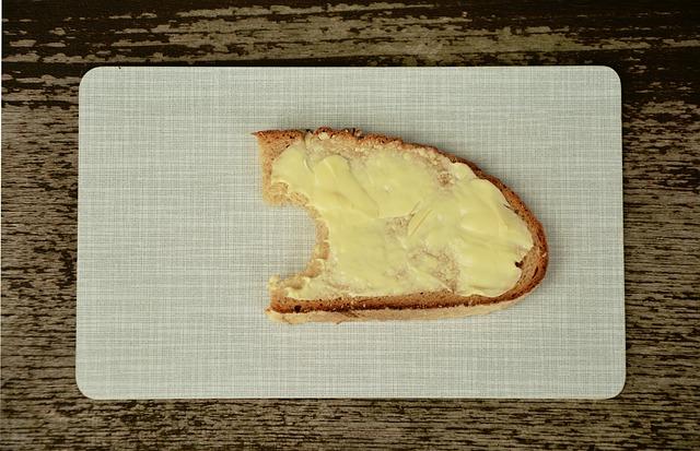 В Україні фальсифікують майже 13% молочних продуктів - якість, фальсифікат, підробка - bread and butter 1758669 640