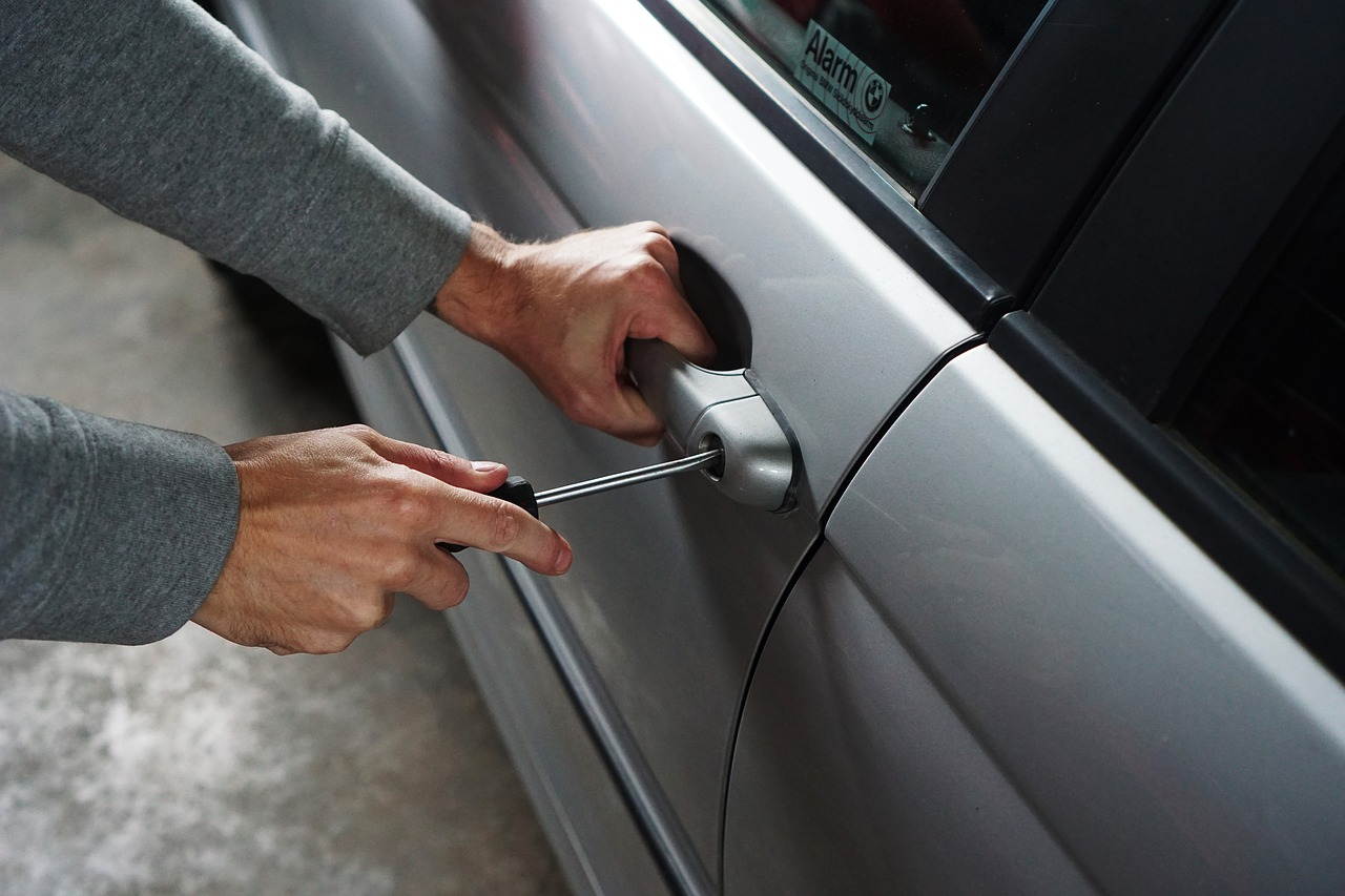У Києві за добу сталося більше 100 крадіжок - угон авто, крадіжки, вбивство - car 1590508 1280