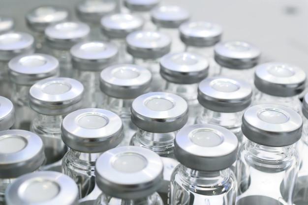 Верховна Рада погодила законопроєкт щодо реєстрації вакцин від СOVID-19 - законопроєкт, Верховна Рада, Вакцинація, вакцина, COVID-19 - glass vials for liquid samples 143715 234