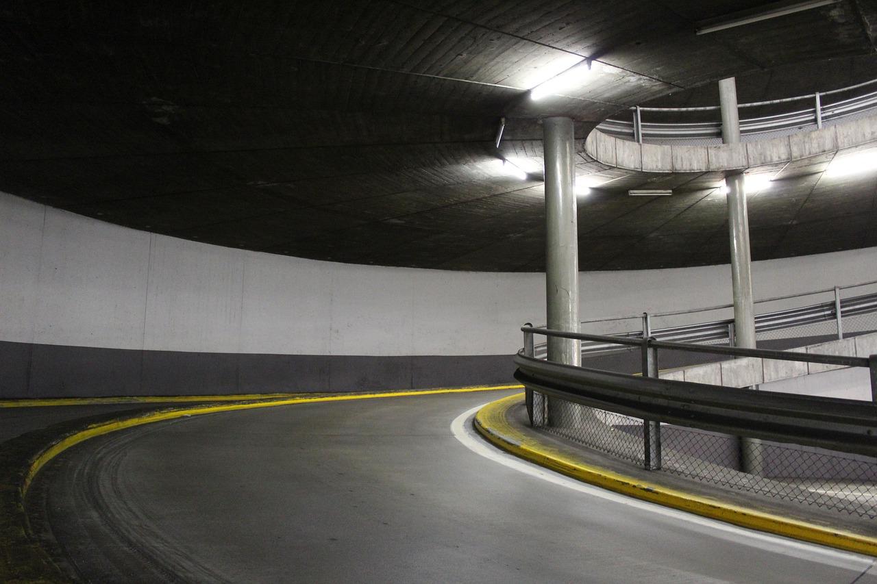 Столичні затори стали нормою: чи варто очікувати на поліпшення? - паркування, затори на дорогах, Генеральний план міста - multi storey car park 4831109 1280