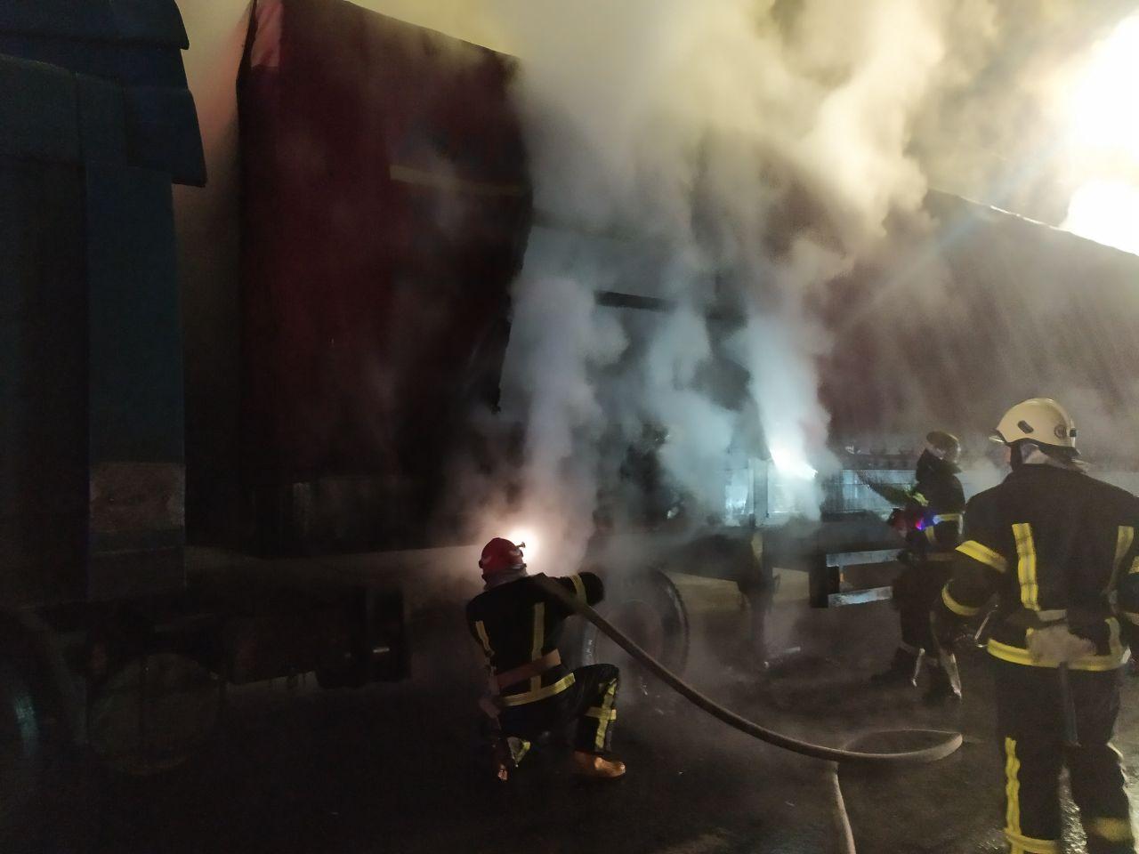 На Гостомельському шосе загорілася вантажівка - загоряння, Гостомельське шосе, вантажівка - photo5202068211892334917