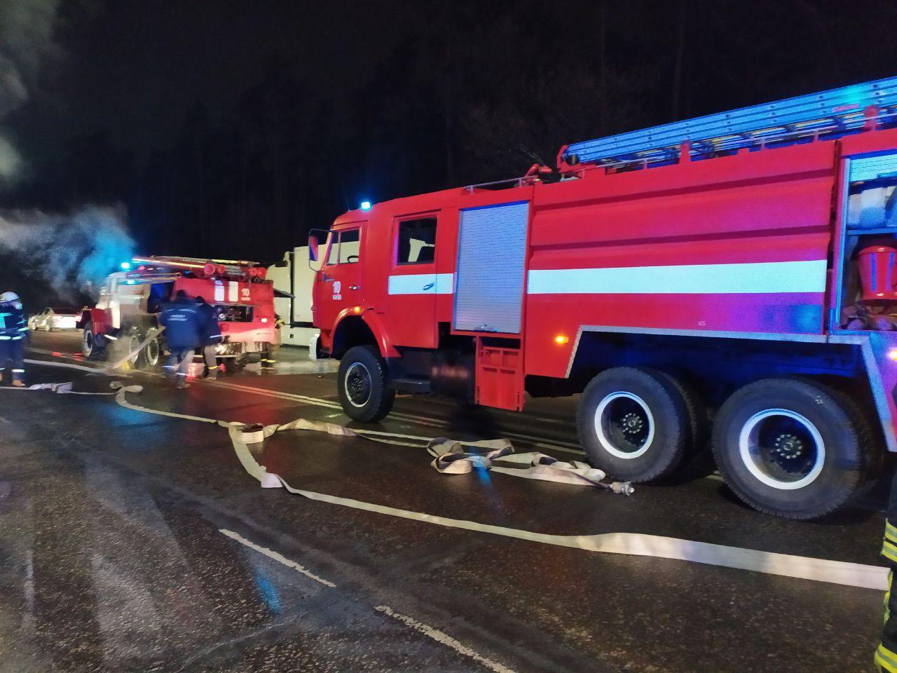 На Гостомельському шосе загорілася вантажівка - загоряння, Гостомельське шосе, вантажівка - photo5202068211892334920