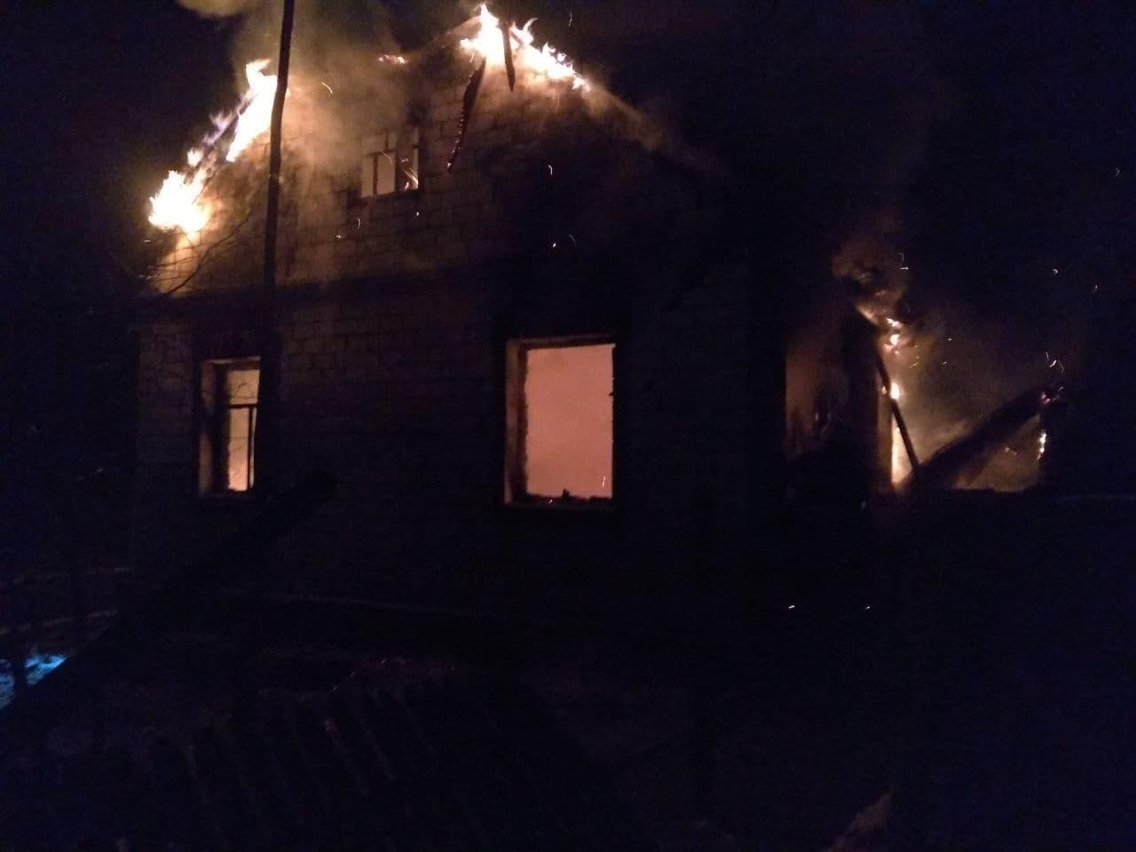 У пожежі на Іванківщині загинуло дві людини - загорання житлового будинку, загиблі - photo 2021 01 17 00 25 37