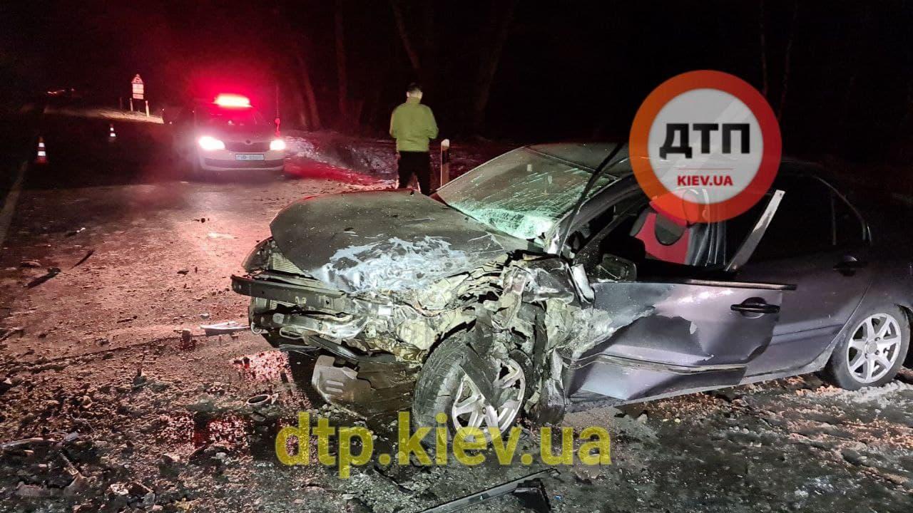 Аварія під Обуховом: водій в критичному стані - постраждалі, зіткнення, автомобілі - photo 2021 01 17 21 13 42