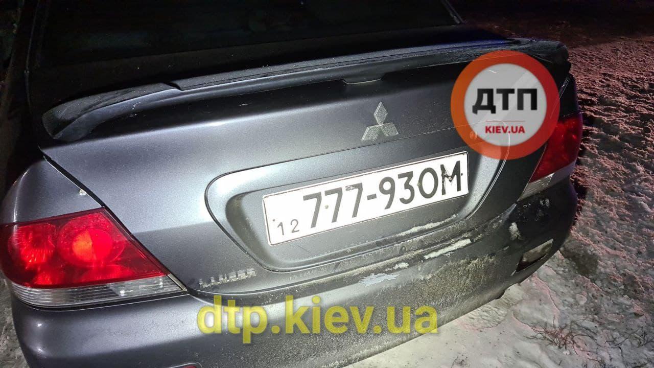 Аварія під Обуховом: водій в критичному стані - постраждалі, зіткнення, автомобілі - photo 2021 01 17 21 13 43 2