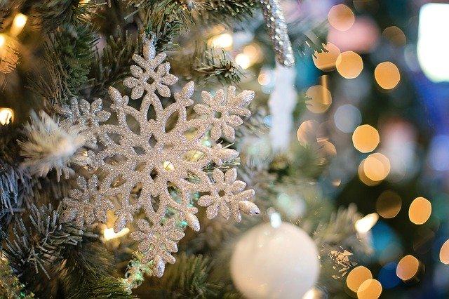 """""""Друге життя"""" для ялинки: різдвяні дерева-символи можна переробити у Києві - Ялинки, різдвяні свята, новорічна ялинка - snowflake 1823942 640"""