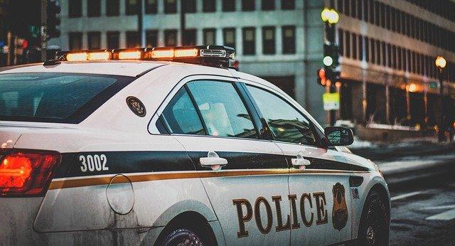 Минула доба у столиці: крадіжки, автомобільні пожежі та аварії - Пожежа авто, крадіжки, ДТП, Аварія - squad car 1209719 640