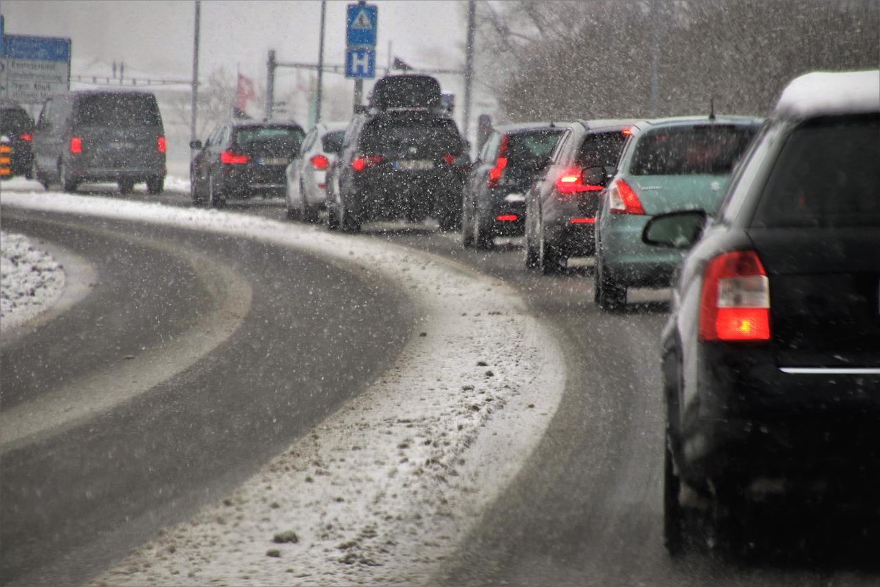 Столичні затори стали нормою: чи варто очікувати на поліпшення? - паркування, затори на дорогах, Генеральний план міста - transport 3916275 1280