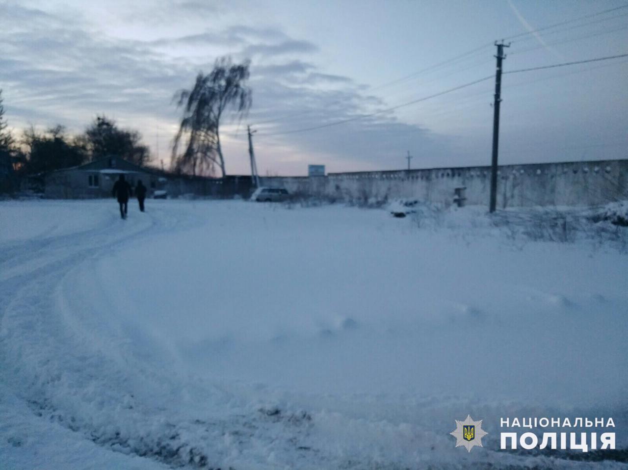 На Обухівщині водій відбуксирував автівку, що заважала проїзду, й отримав підозру - Поліція, підозра, Обухівщина, викрадення авто - zavolo111