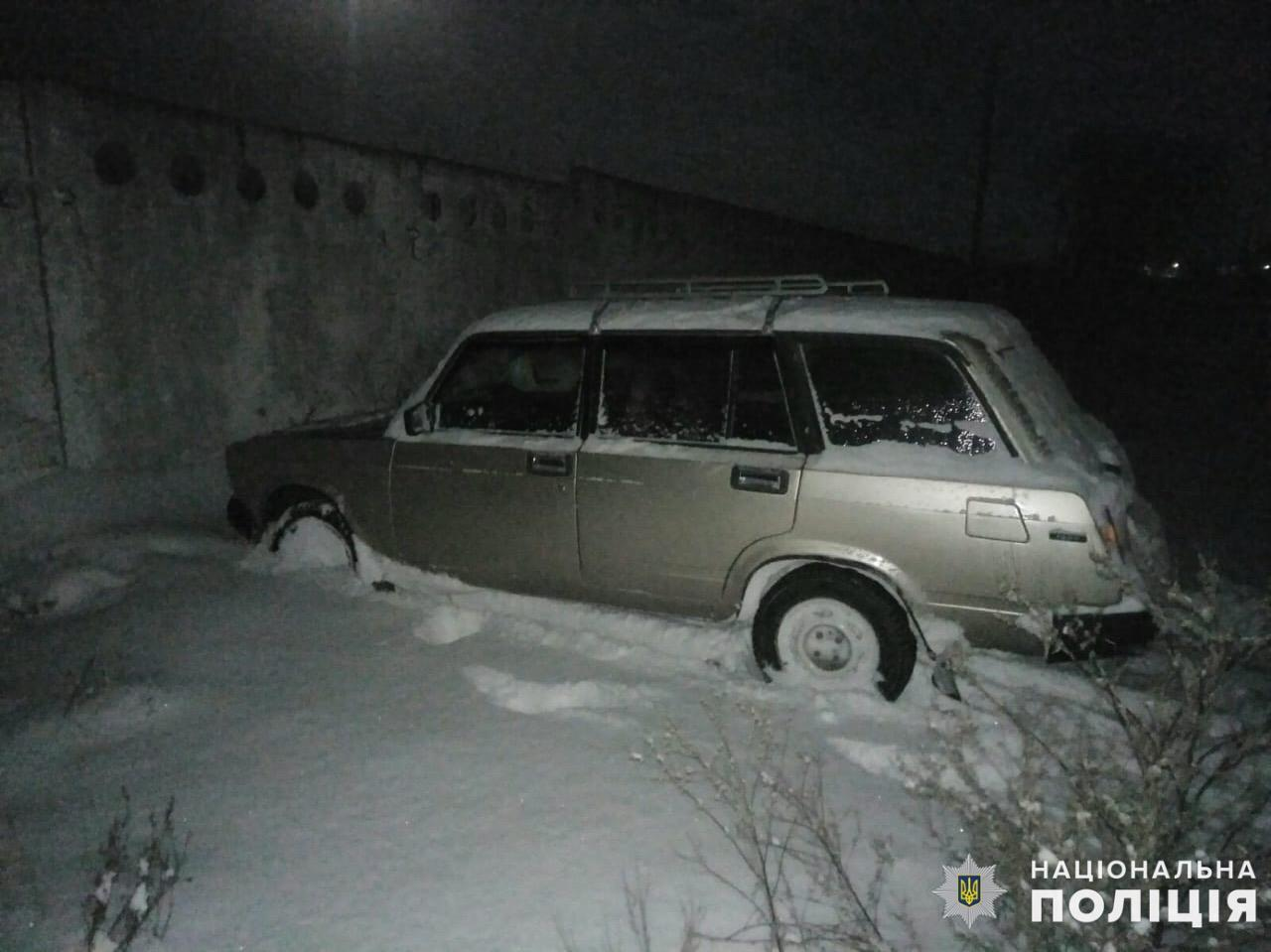 На Обухівщині водій відбуксирував автівку, що заважала проїзду, й отримав підозру - Поліція, підозра, Обухівщина, викрадення авто - zavolo333
