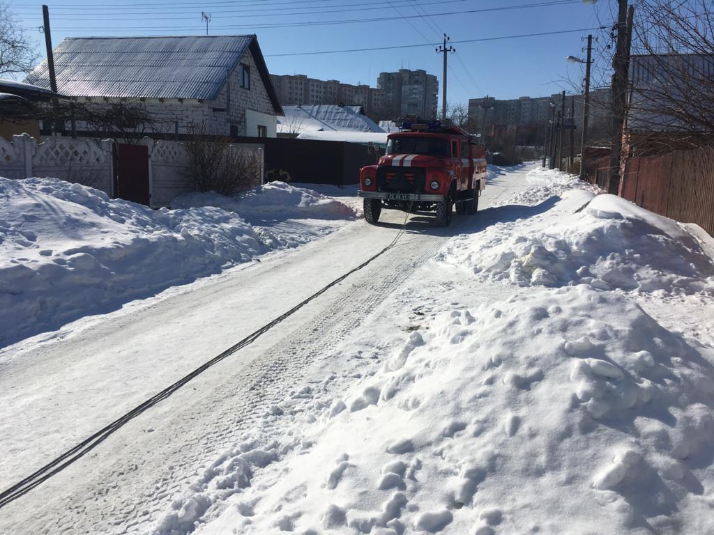На Київщині автомобілі швидкої допомоги застрягали у снігу - Швидка допомога, сніг, негода, Забір'я - 0 02 05 f479a16276874cb496dd260a8e0ba83cbddb644f36998c1f328cd6afcc138e9a 1b62bef6
