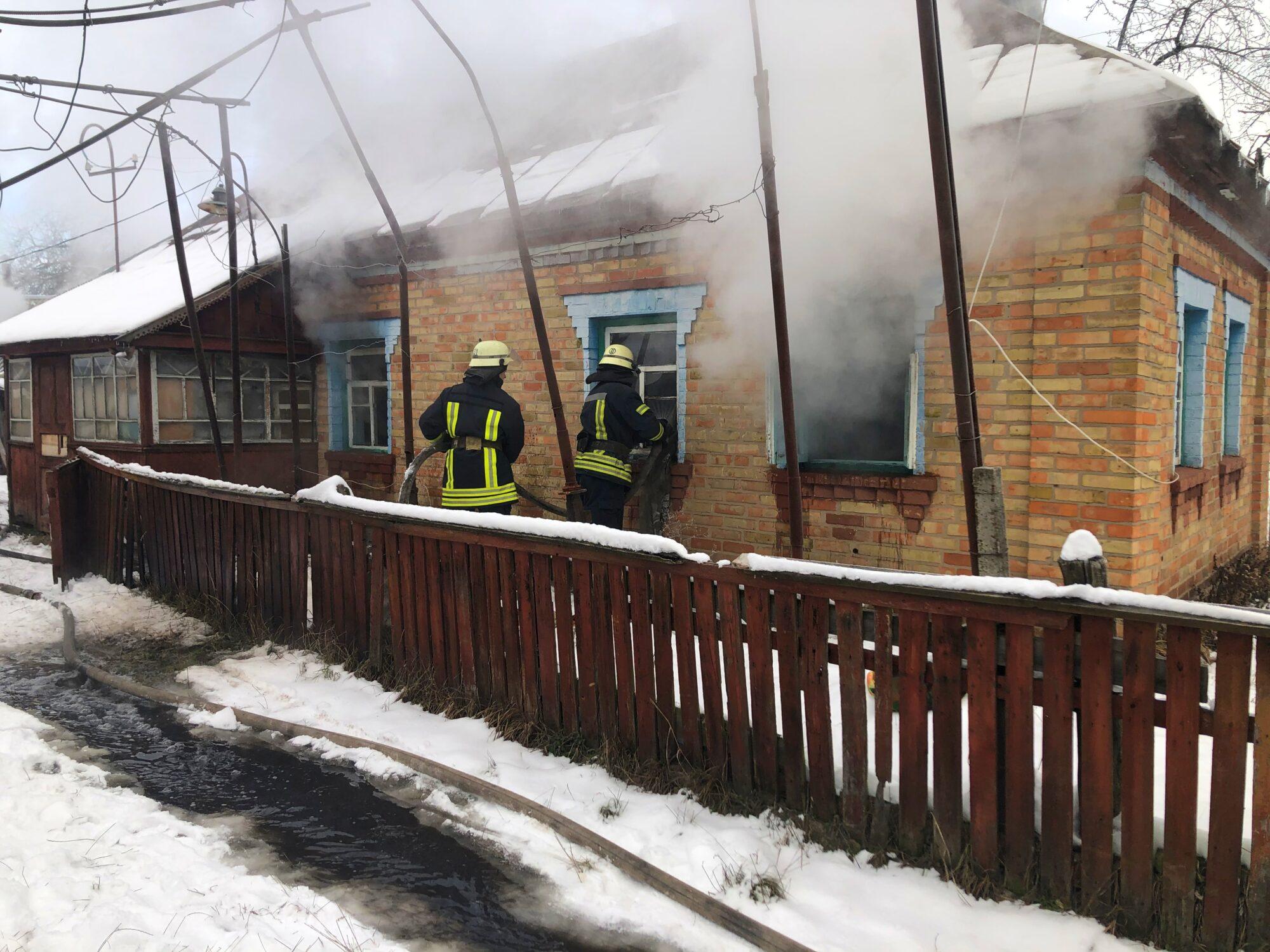 На Київщині під час пожежі у власному будинку загинув господар - смерть, Здвижівка, згоріла будівля, згорів будинок - 03 2000x1500
