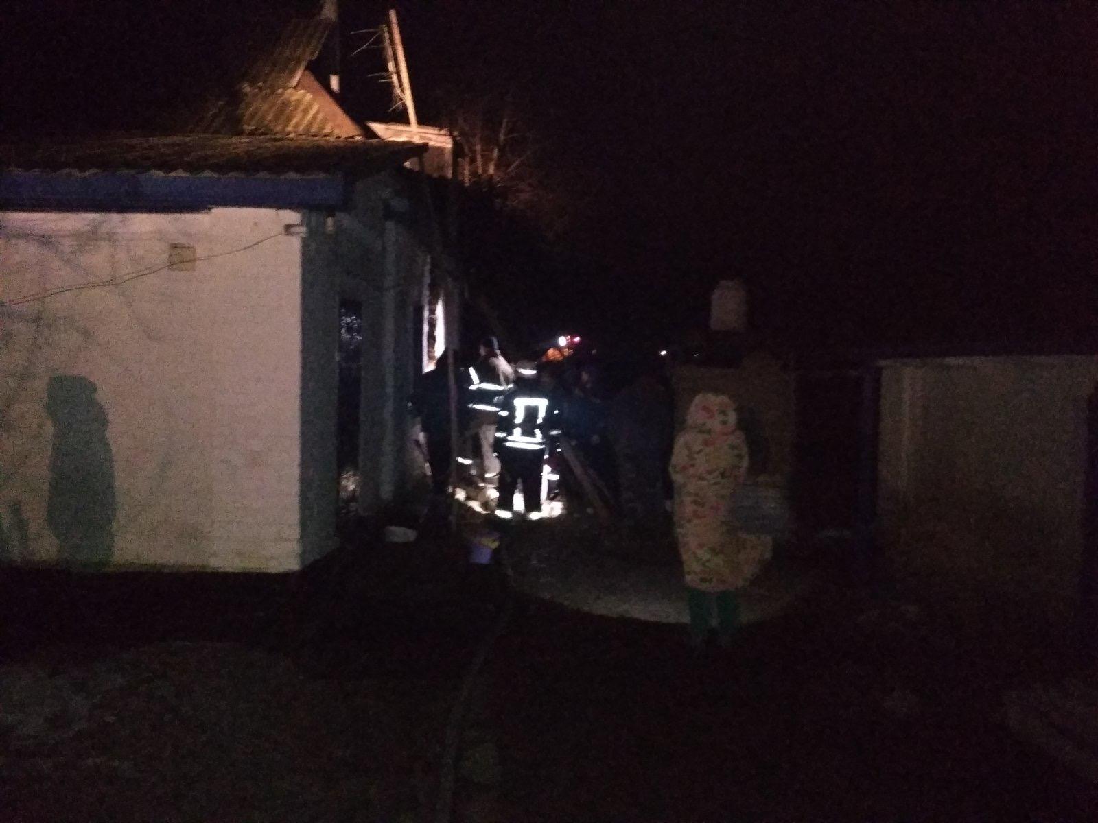 З пожежі у Бородянці вогнеборці врятували чотирьох людей - рятувальники, врятувати життя, вогнеборці, бородянські рятувальники - 05 pozhezha3
