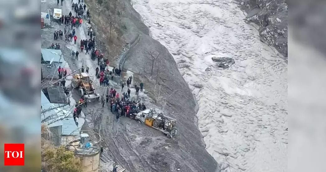 Сходження льодовика в Індії: 170 людей зникли безвісти - Стихія, повінь, льодовик, Індія - 08 yndyya