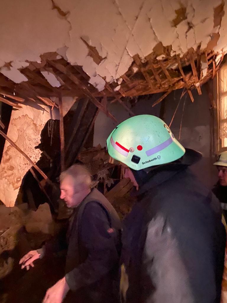 В житловому будинку в Бородянці обвалився дах - житловий будинок, бородянські рятувальники, бородянські пожежники - 0b77b3c7 5f37 4b54 86e0 62b6abc51378