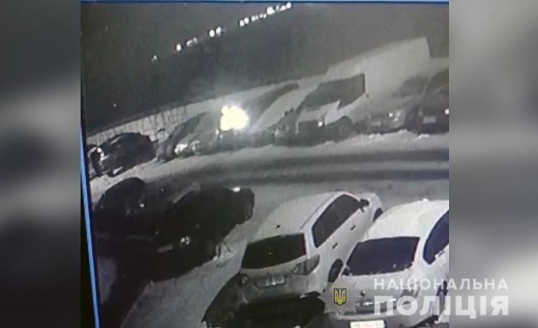Крадіжки, напади та підпали: у Києві минулої доби було неспокійно - підпал, напад, крадіжка, загорання - 11.02.2021despidpalavto