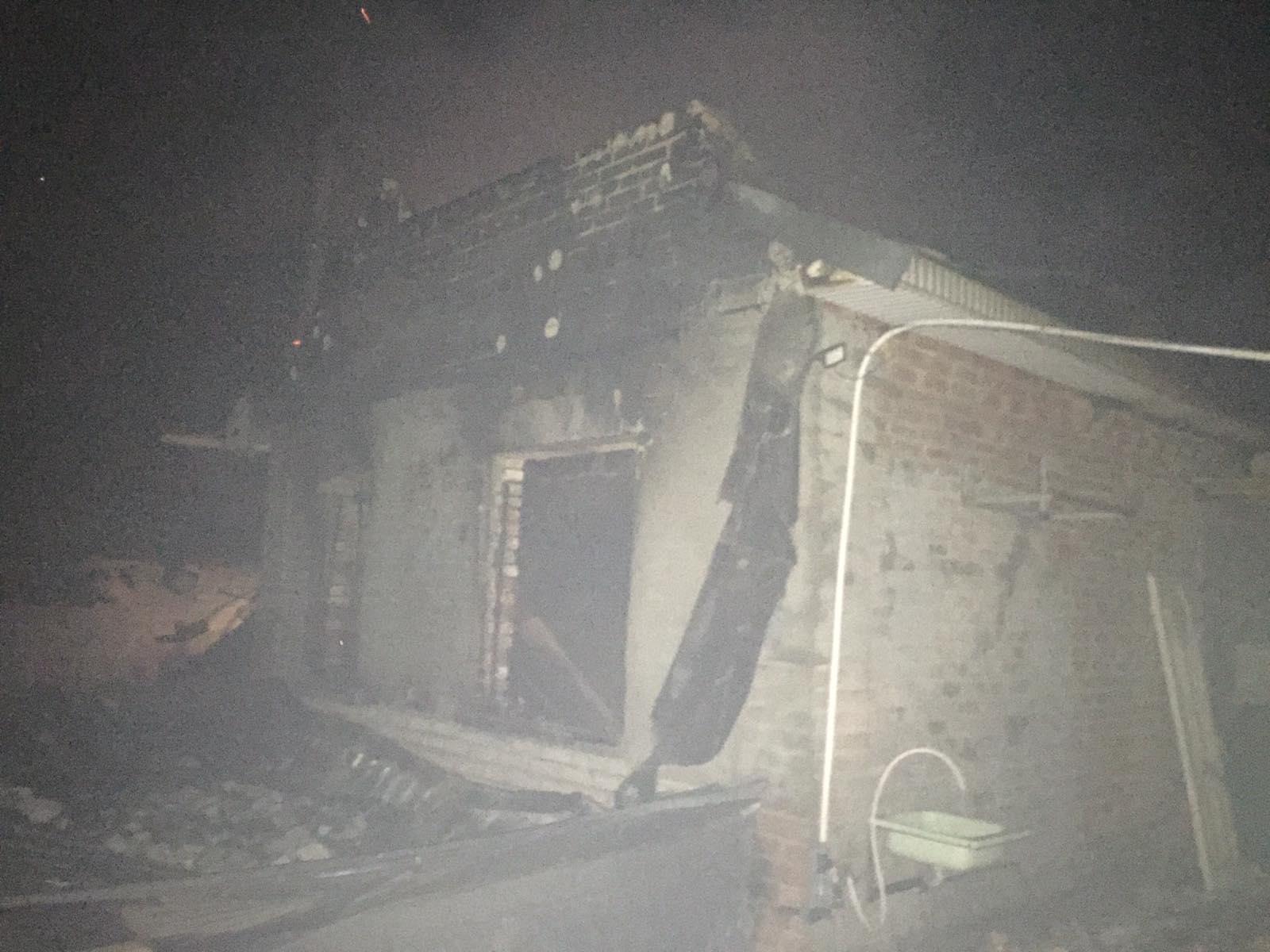 На Білоцерківщині вщент вигорів приватний будинок - загорання житлового будинку, житло, вогнеборці - 12 viber 2021 02 23 08 11 54