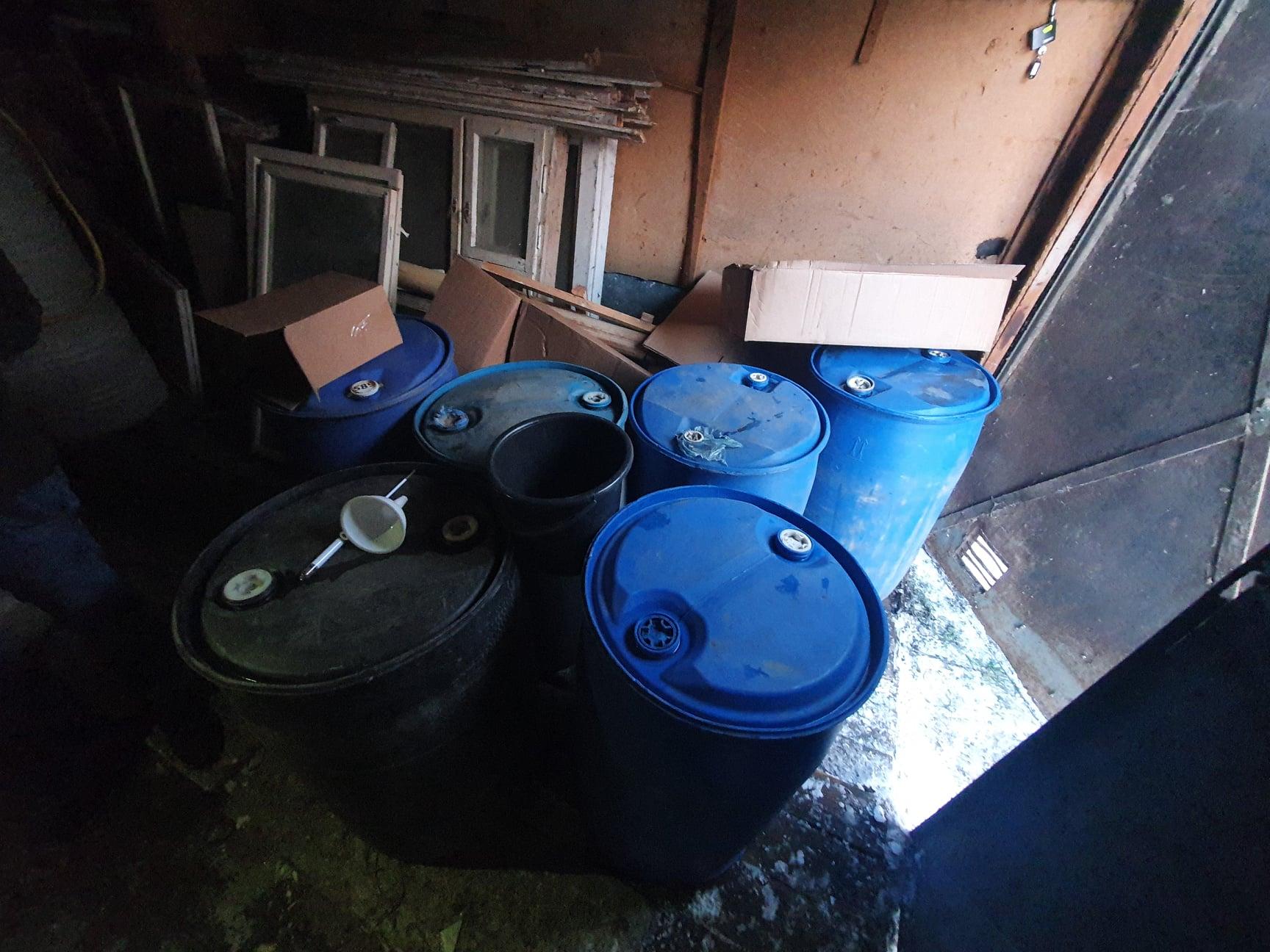 На Бориспільщині та в Ірпені підробляли спиртні напої - підпільний цех, алкоголь - 145724510 1546326788911646 6491473273970437557 o