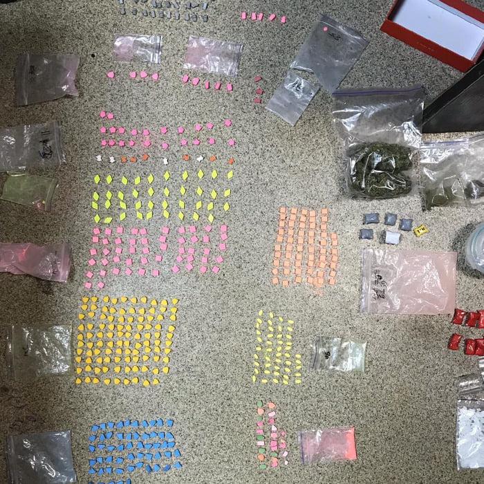 Судитимуть наркоділків, які збували наркотики через Telegram, «закладки» і поштою - суд, Розслідування, наркодилери, закладки, Telegram - 146026716 4191509474193716 726083349262734863 n