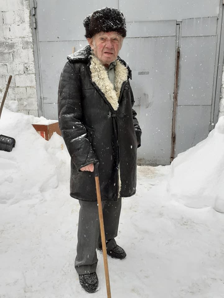 Щоб вижити: у Боярці 83-річний дідусь майструє пташині годівнички - морози, Дідусь, Годівнички - 148250843 2493132447657908 6112928608496601124 n
