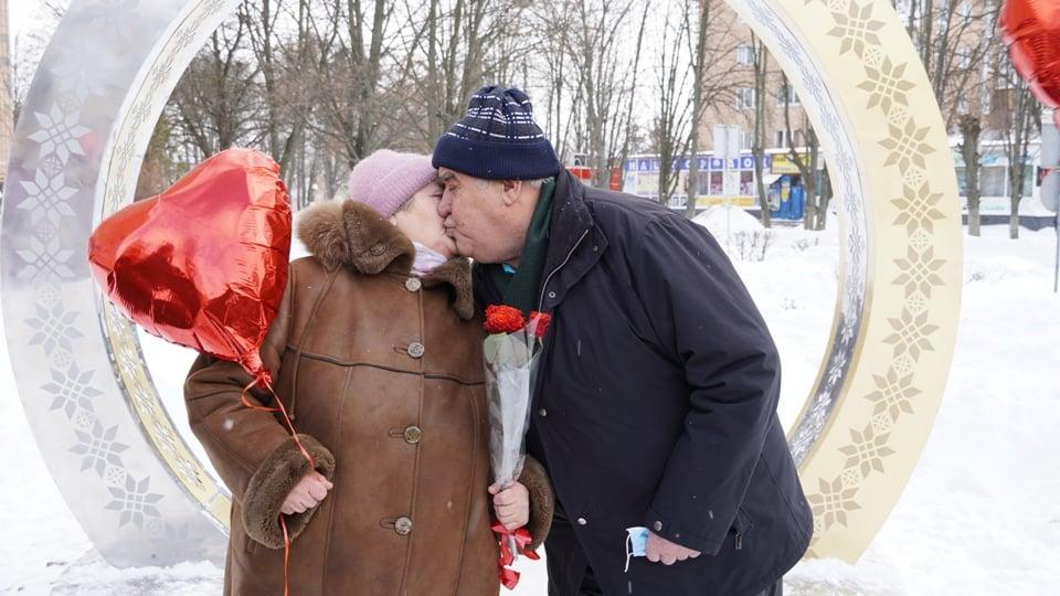 У Фастові започатковано нову романтичну традицію - традиція, подружжя, кохання, День всіх закоханих - 149888466 3804959742955436 716856596186992204 n