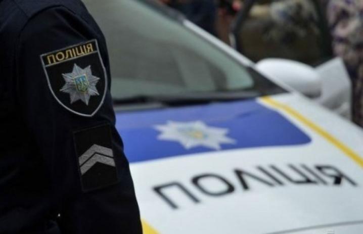 Чоловік йшов від Борисполя до Києва пішки - чоловік, траса, Поліція - 1564405752 politsiia2