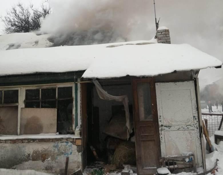 Вогонь забрав життя літньої жінки з Броварів - трагедія, смерть, літня жінка, вогонь - 1613057850833
