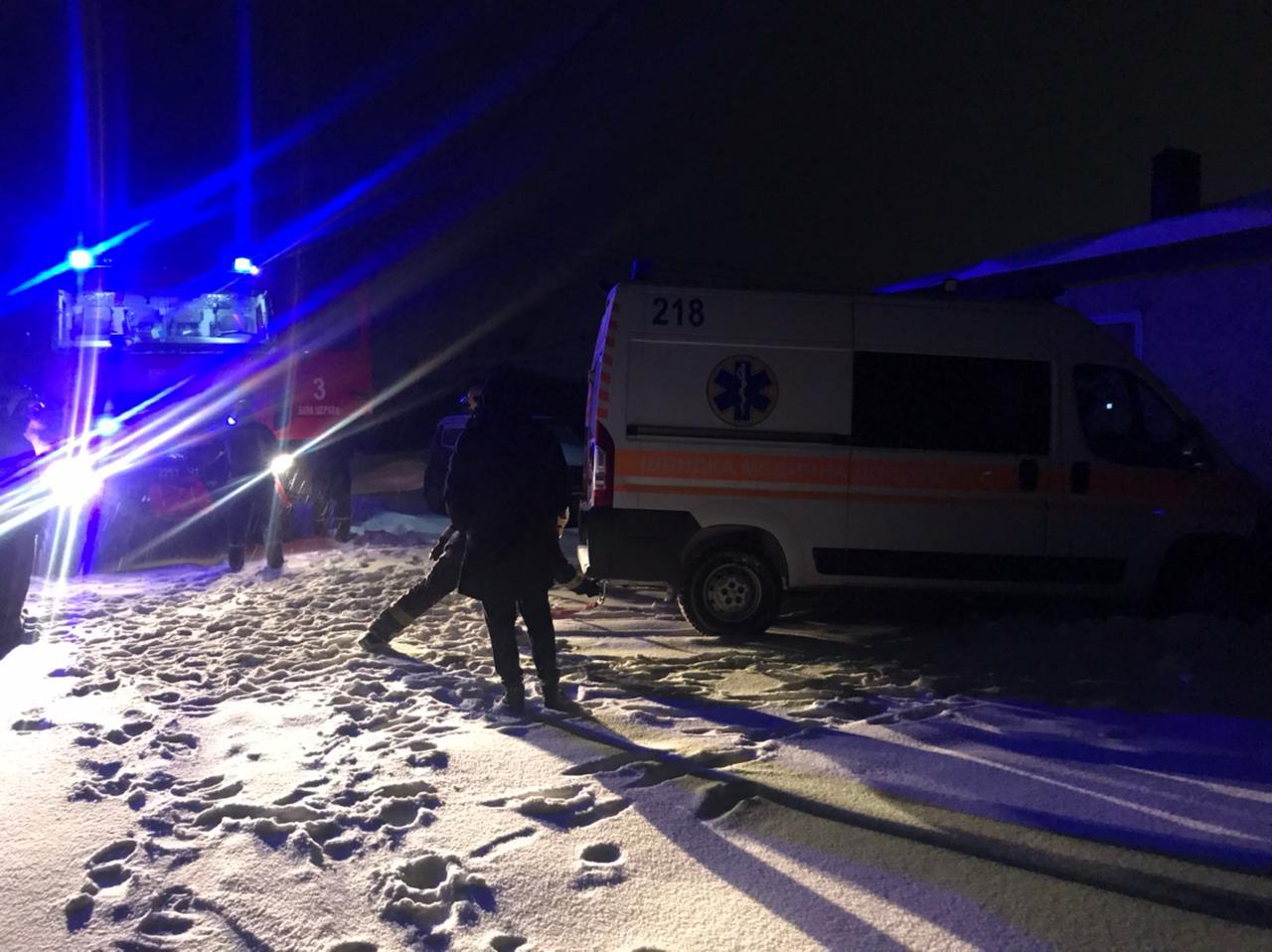 На Білоцерківщині в снігу застрягла швидка із хворим - Швидка допомога, снігопад, негода - 2021 02 09 at 06.58.32