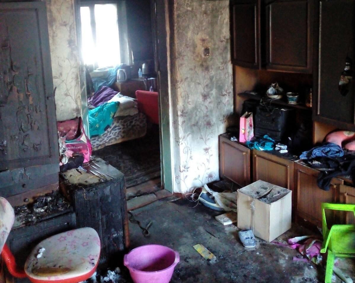 У Глевасі на Київщині сусід врятував із вогню маму з двома дітьми - рятувальники, пожежа, Діти, Глеваха, вогонь - 3 2