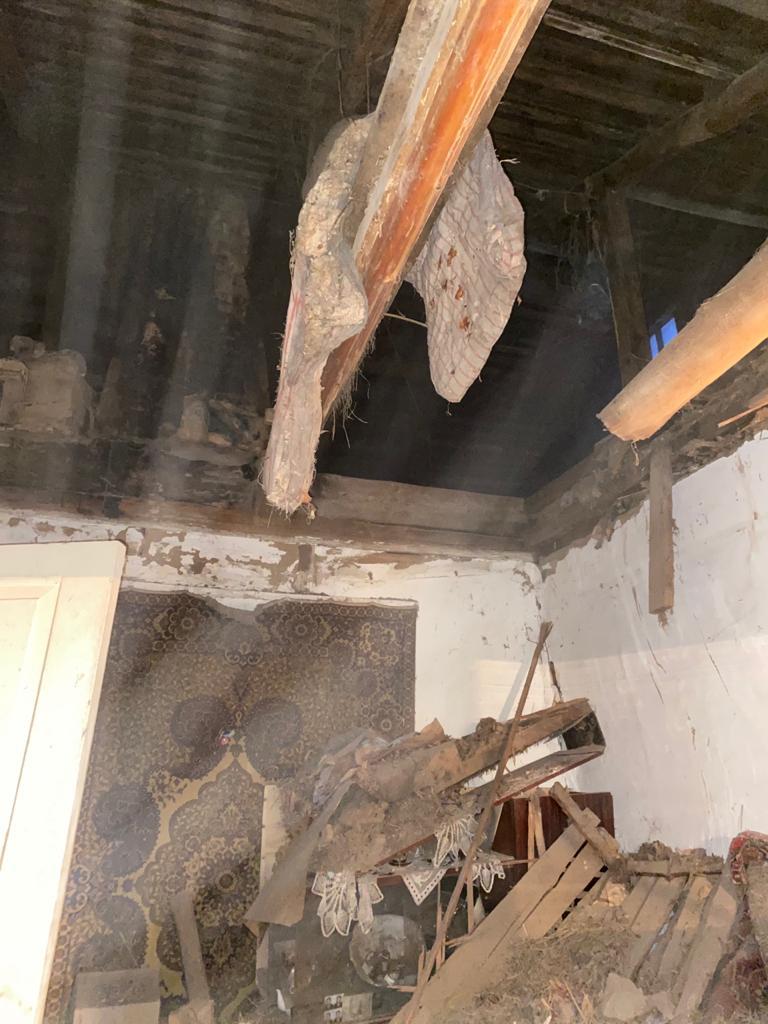 В житловому будинку в Бородянці обвалився дах - житловий будинок, бородянські рятувальники, бородянські пожежники - 4cbda122 afda 4d20 a315 0da715e3e195