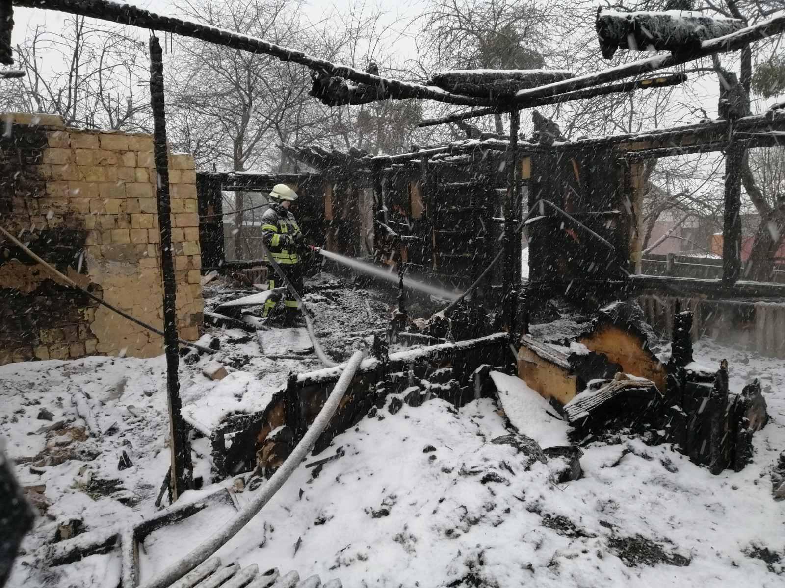 Київщина: у Кожухівці і Ходосівці у вогні загинули троє осіб - трагедія, смерть, пожежа, вогонь, Васильківщина - 64F3F91E 0E15 48B2 8FB1 CBBA9F619B89