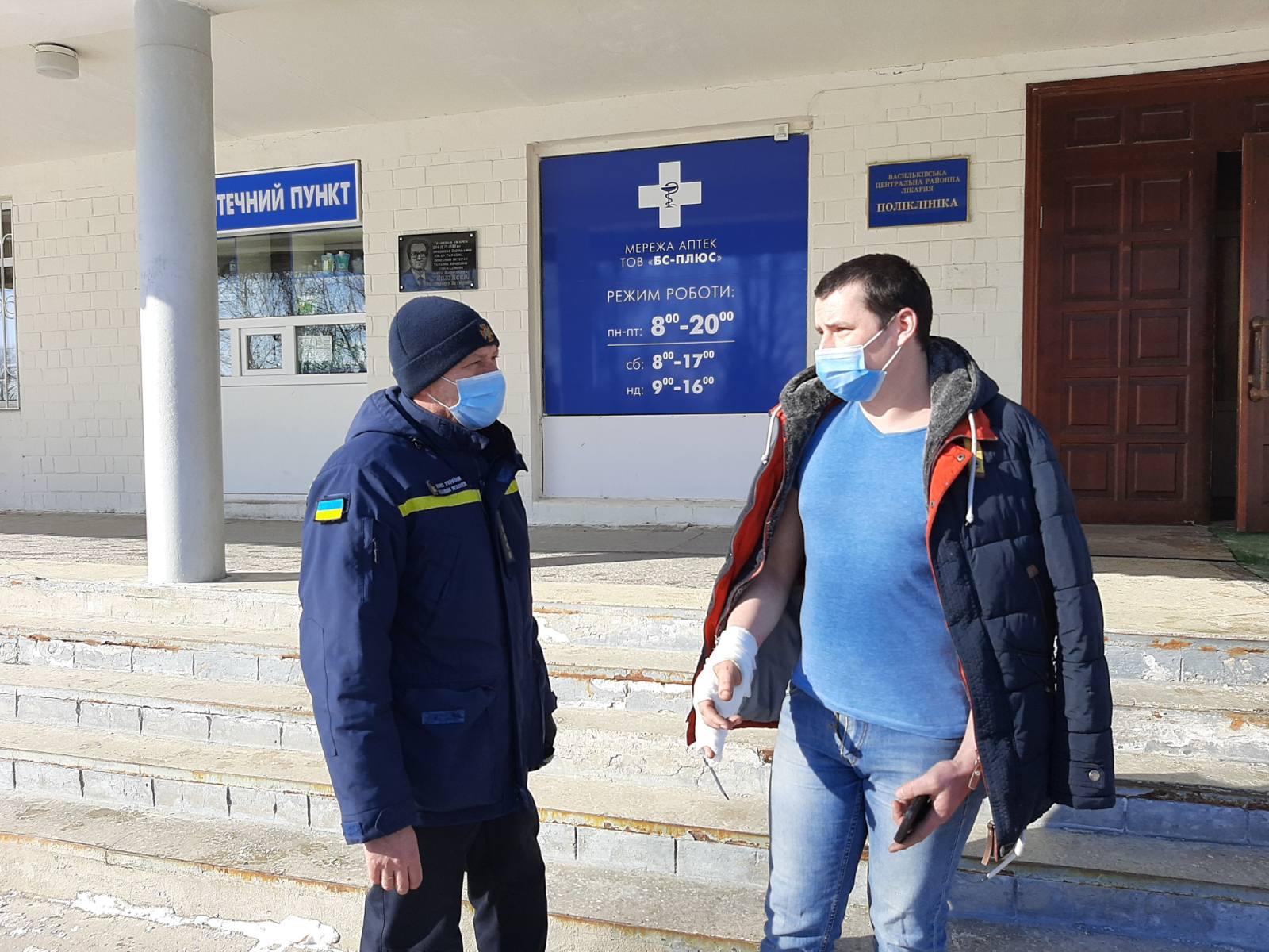 У Глевасі на Київщині сусід врятував із вогню маму з двома дітьми - рятувальники, пожежа, Діти, Глеваха, вогонь - 66