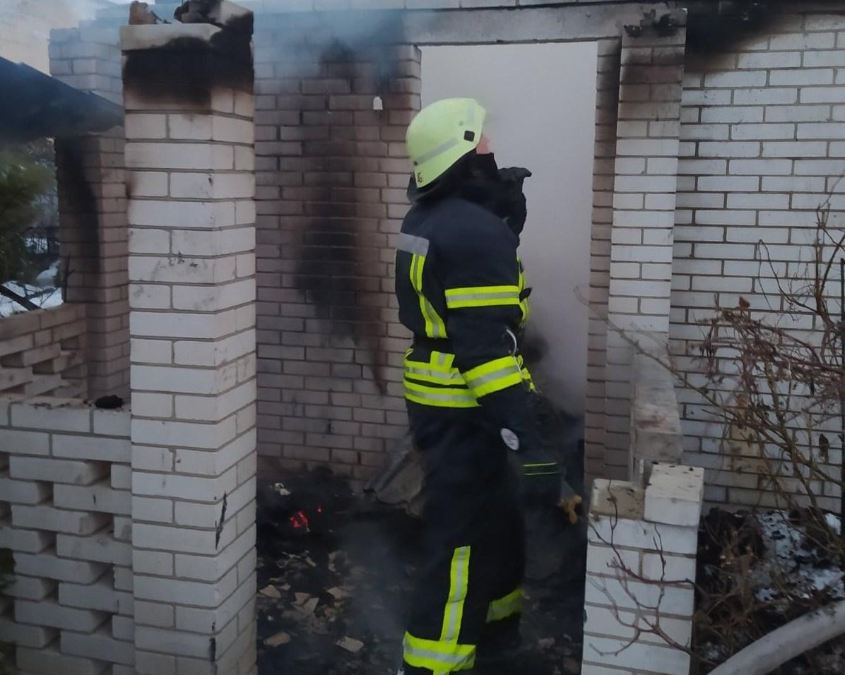 Обухівщина: у Нових Безрадичах   загасили палаючий будинок - пожежна небезпека, загорання житлового будинку, вогонь - 876543