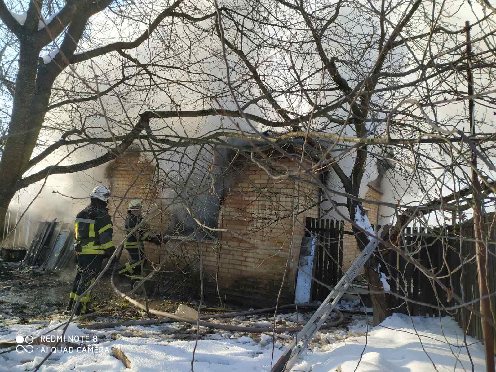 У Бузовій – пожежа: загинула жінка - рятувальники, пожежа будинку, київщина, загинула людина, Дмитрівка, Бузова - Buzova 1