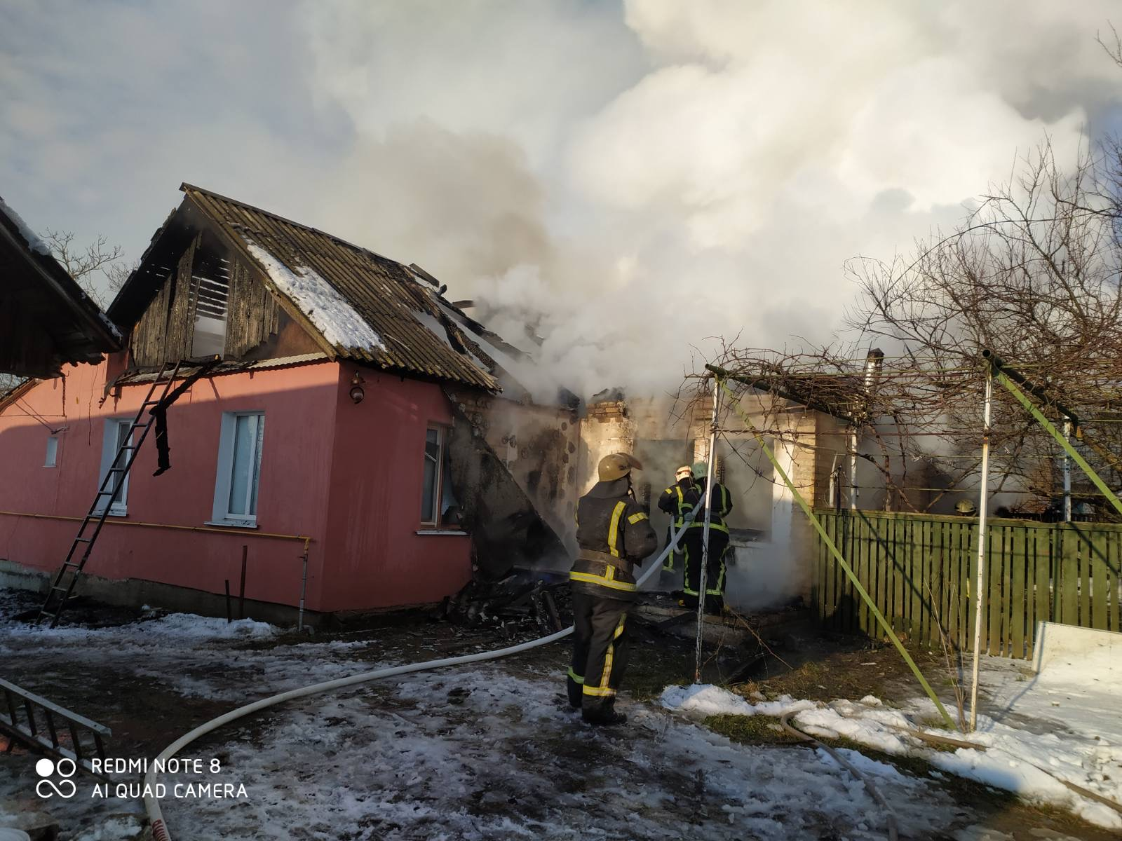 У Бузовій – пожежа: загинула жінка - рятувальники, пожежа будинку, київщина, загинула людина, Дмитрівка, Бузова - Buzova
