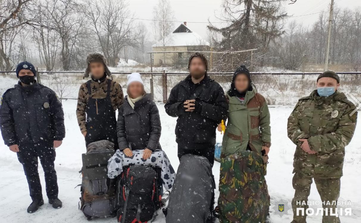 До зони ЧАЕС – з мисливською рушницею - Чорнобильська зона, поліція Вишгородського району, мисливець - CHornob1