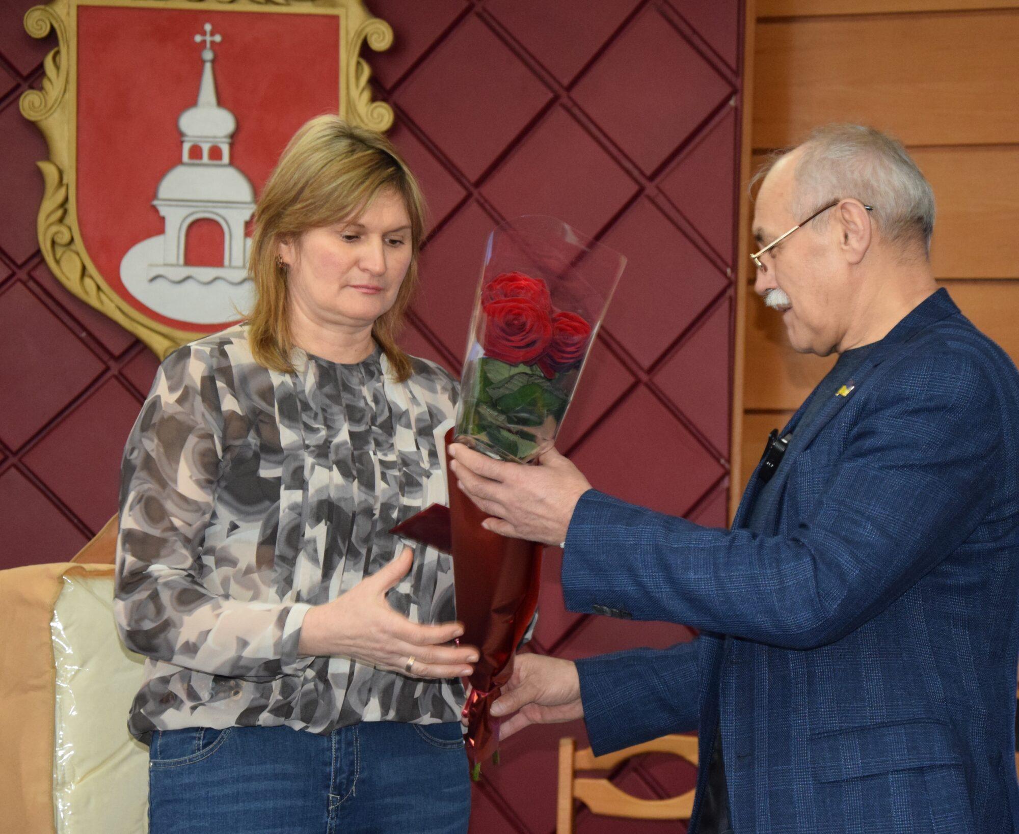 Жінка з Переяслава отримала звання «Мати-героїня» - Переяслав, мати-героїня, звання - DSC 0068 1 2000x1638