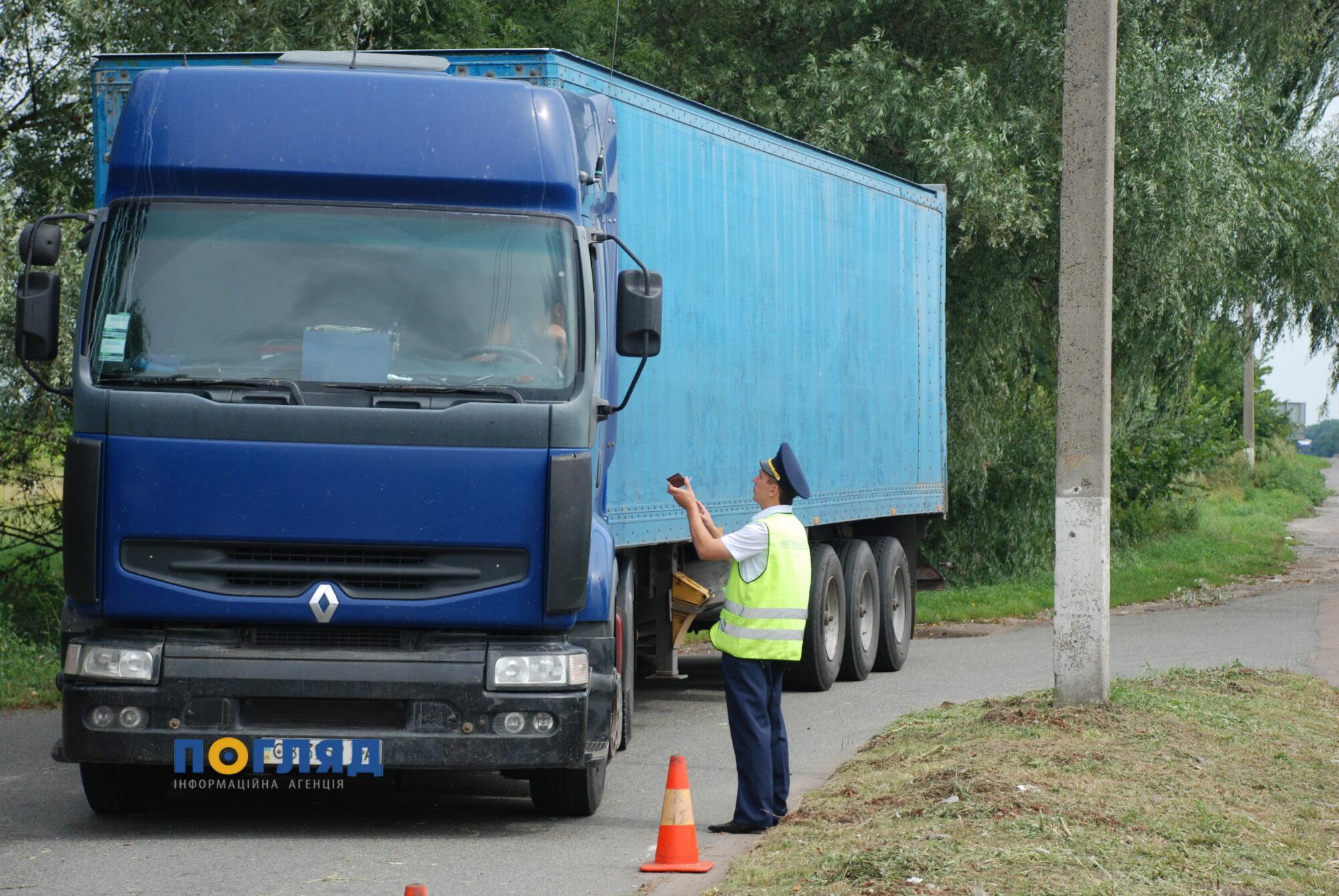 Зберегти дороги: в Україні посилять відповідальність за недотримання габаритно-вагових норм - законопроєкт, дороги, Верховна Рада України, вантажівки - DSC 2519 2000x1339